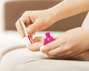 toenail polish and nail health